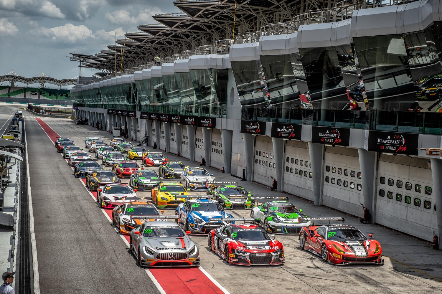 Group photo Sepang 2018 | Blancpain GT Series Asia