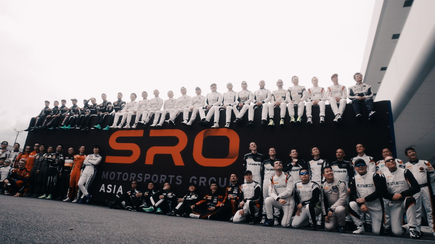 Official Driver Group photo Suzuka 2018 | Blancpain GT Series Asia