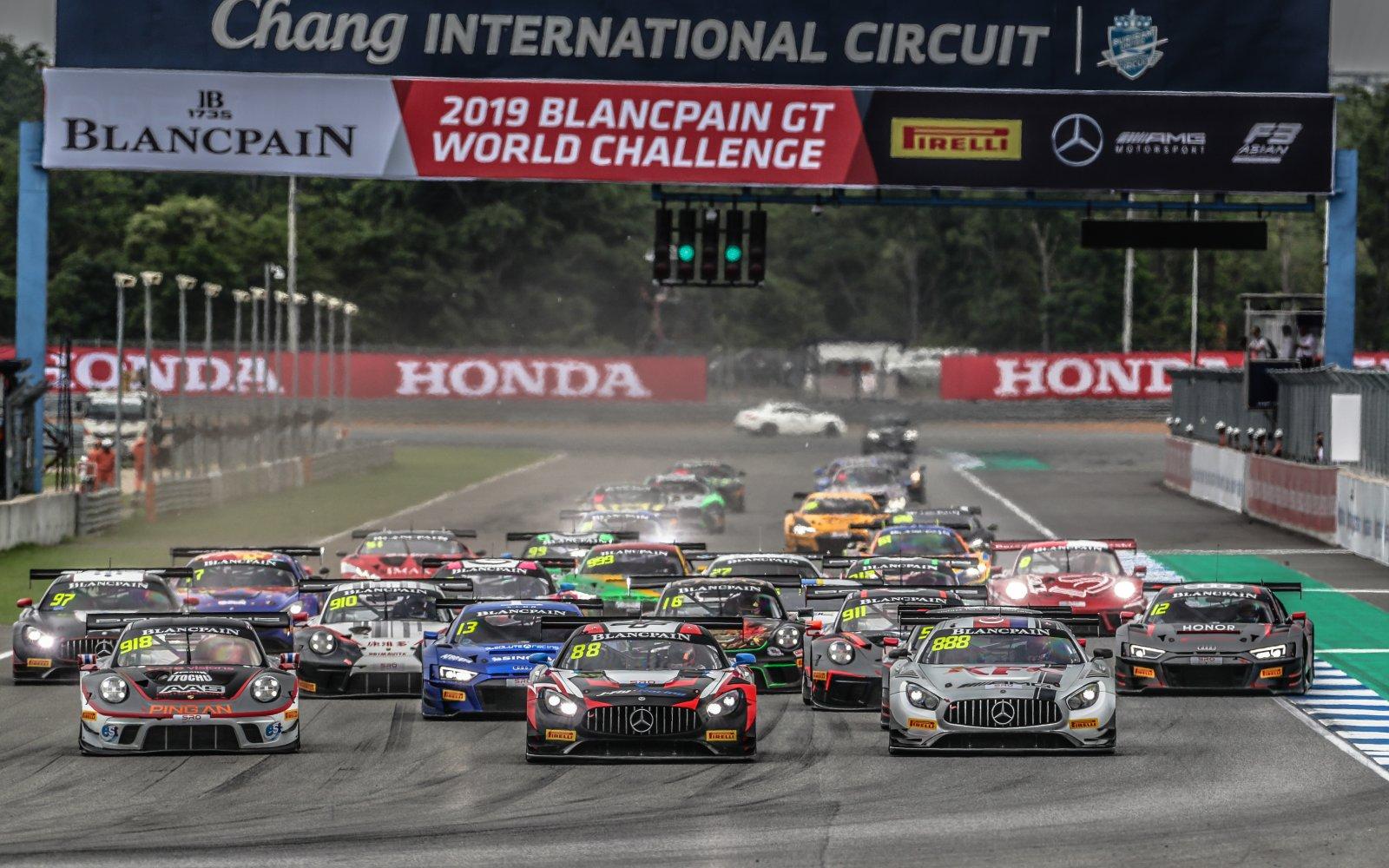 Race 2 Start Buriram 2019