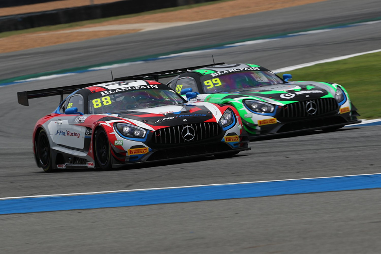 Craft-Bamboo's O'Young and Picariello claim pole apiece at Buriram